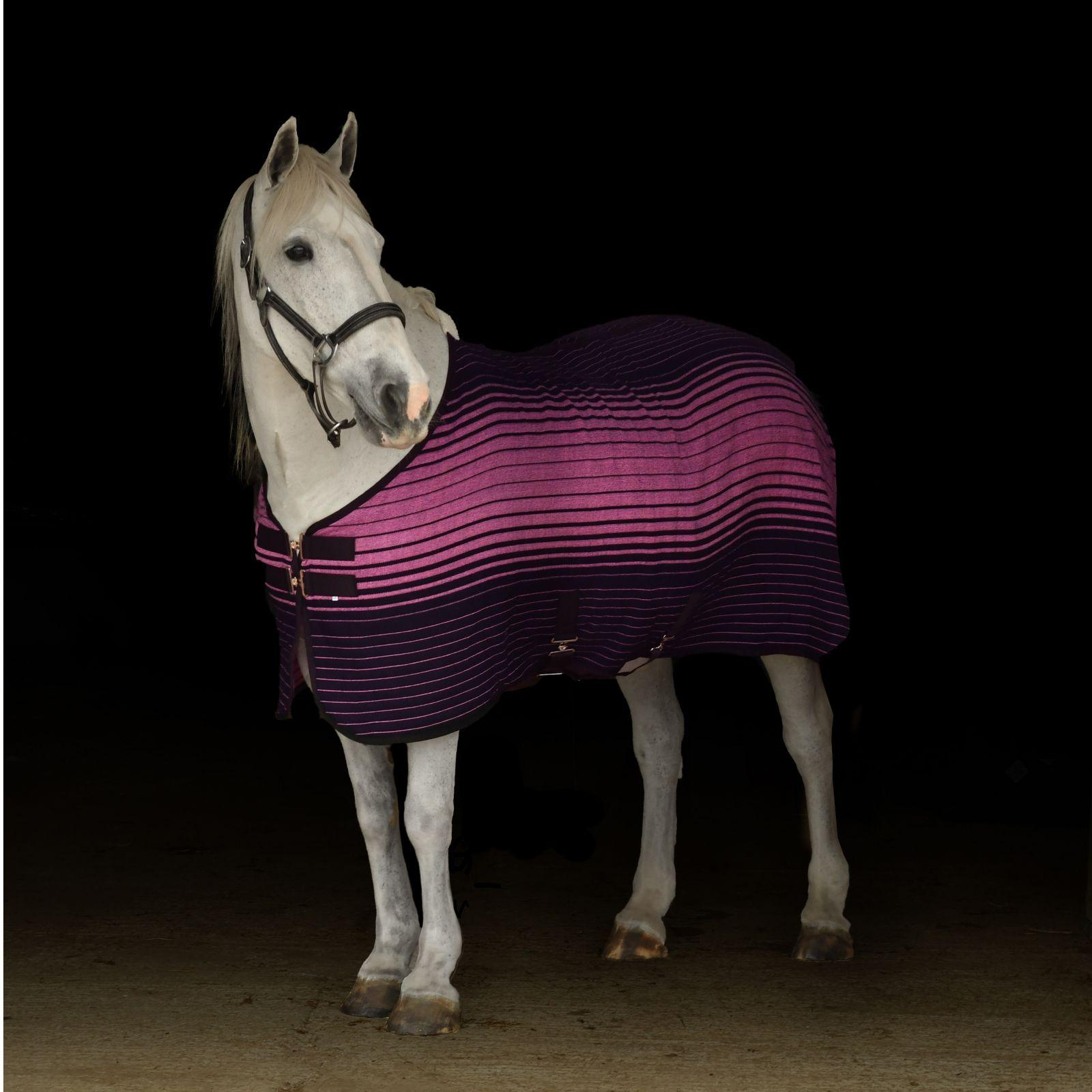 Thermal-Xtra Premium Rug with Presentation Box- Navy/Pink